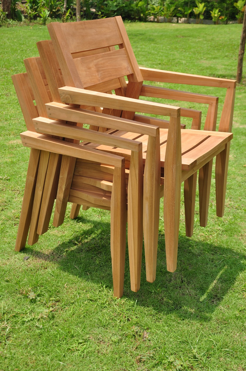 5 PC OUTDOOR DINING TEAK SET 36 ROUND TABLE 4 STACKING ARM CHAI